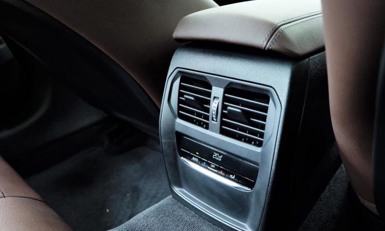 ่ช่องแอร์ด้าานหลัง All NEW BMW 320d Sport (G20)