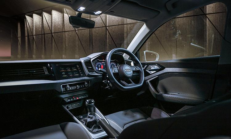 ดีไซน์ด้านใน Audi A1 Sportback