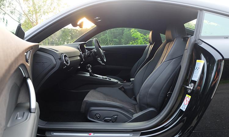 เบาะหน้า Audi TT Coupe' 45 TFSI quattro S-Line