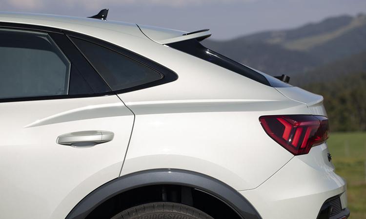 ด้านหลัง All NEW Audi Q3 Sportback
