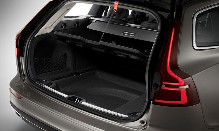 ที่เก็บของด้านหลัง Volvo V60 T8 Plug-in Hybrid