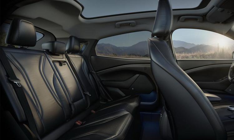 เบาะหลัง Ford Mustang Mach-E