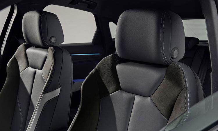 เบาะคู่หน้า Audi Q3 Sportback