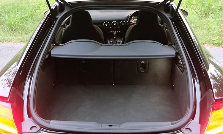 ที่เก็บของด้านหลัง Audi TT Coupe' 45 TFSI quattro S-Line