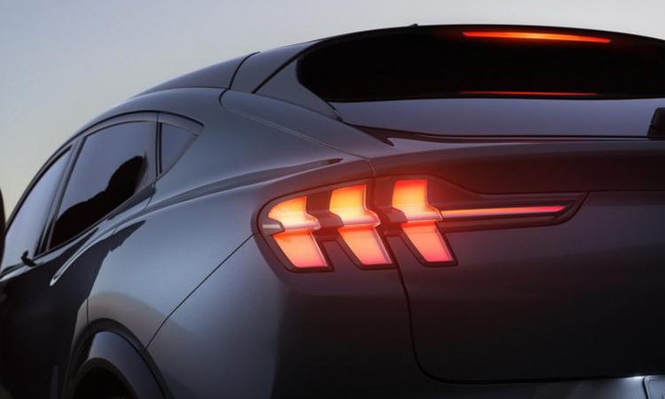 ไฟท้าย Ford Mustang Mach-E