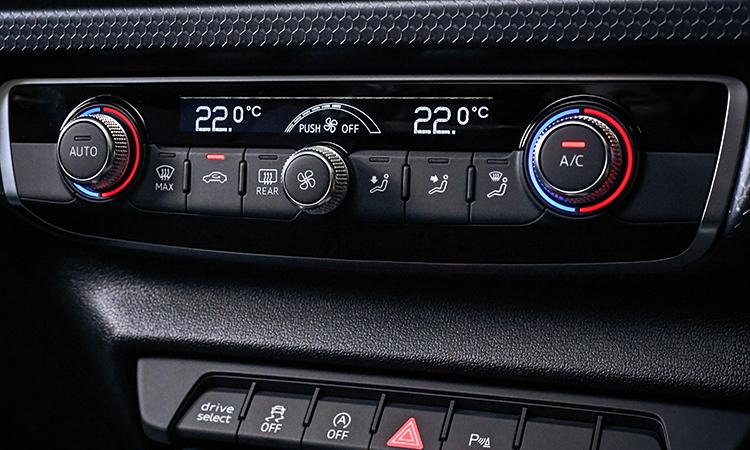 ปุ่มควบคุม Audi A1 Sportback
