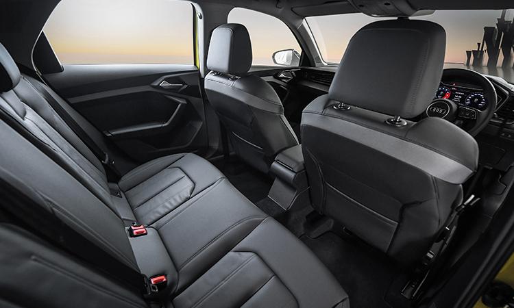 เบาะหลัง Audi A1 Sportback