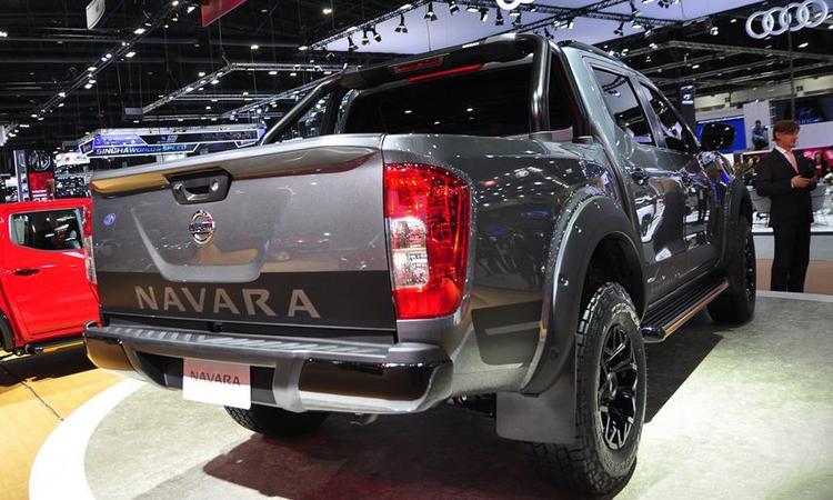 ดีไซน์ท้าย Nissan Navara N-TREK Warrior