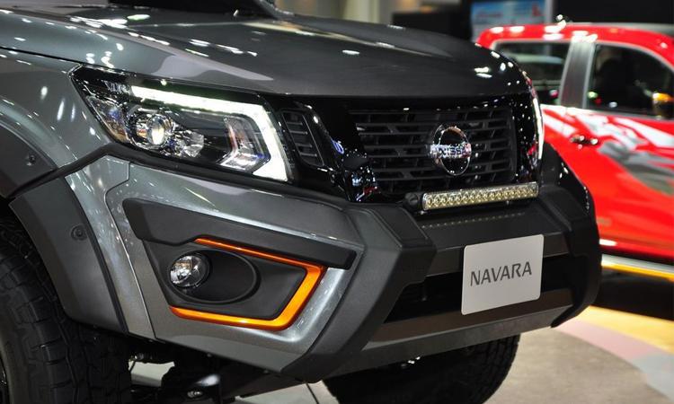 ดีไซน์ด้านหน้า Nissan Navara N-TREK Warrior