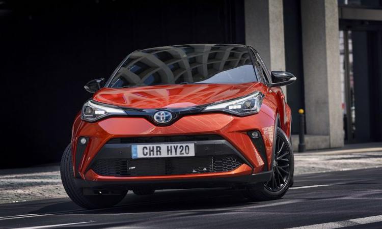 ดีไซน์ด้านหน้า Toyota C-HR Orange Edition