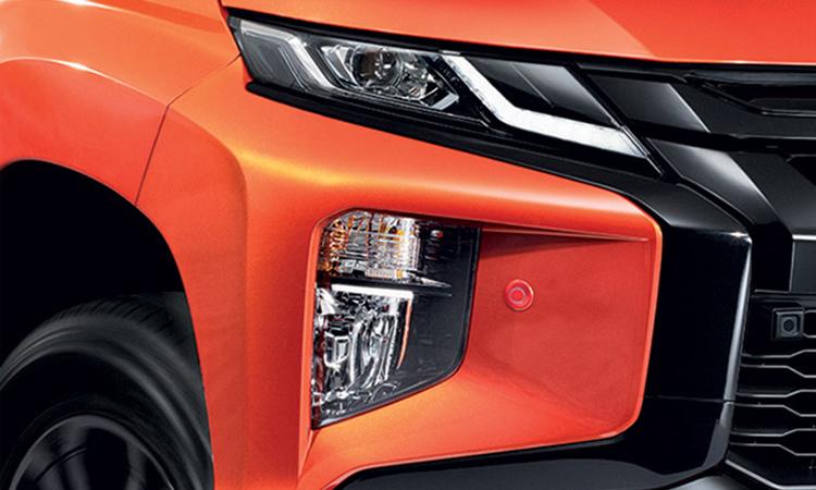 โคมไฟหน้า Mitsubishi Triton ATHLETE