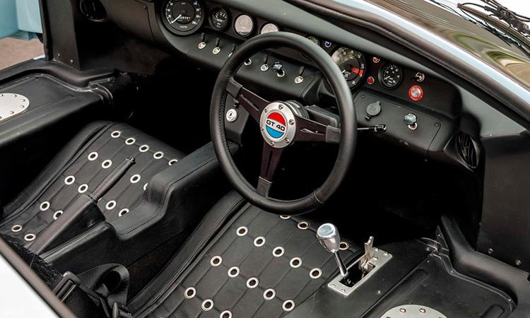 ภายใน GT40