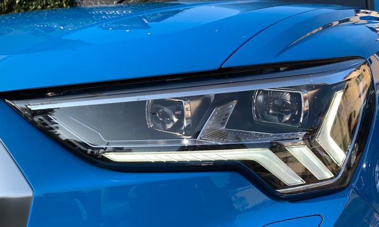 ไฟหน้า Audi Q3 Sportback