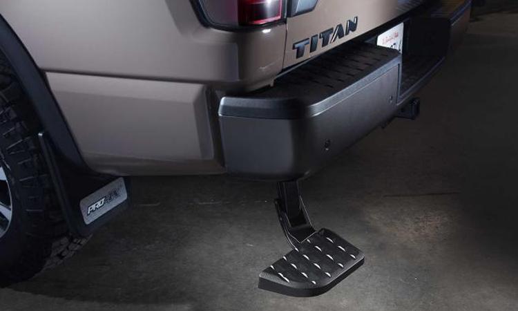 ท้าย Nissan Titan Off-Road Kit Edition