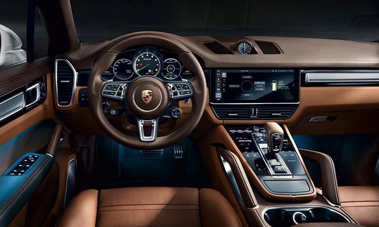 ภายใน Porsche Cayenne e-hybrid Coupe
