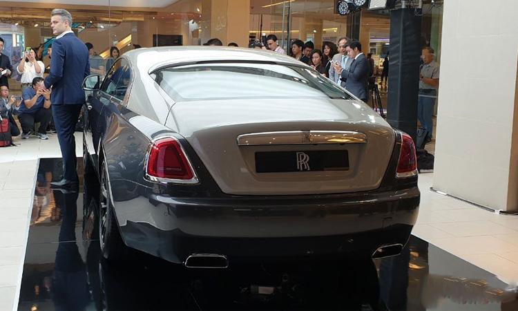ท้าย Rolls-Royce Wraith Eagle VIII 2019