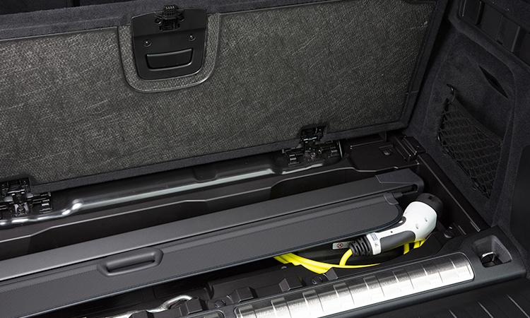 ที่เก็บสายชาร์จ BMW X5 xDrive45e (Plug-in Hybrid)