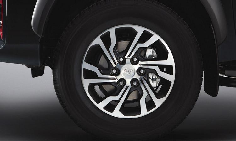 ล้อ Toyota Hilux V6 GR Sport