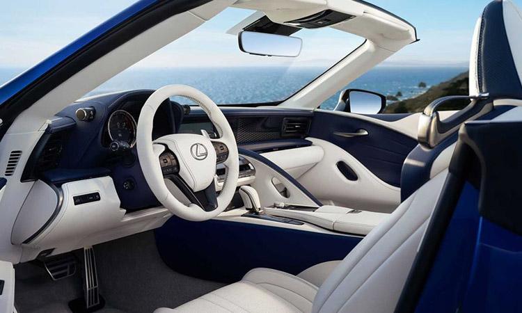 ภายใน Lexus LC 500 Convertible