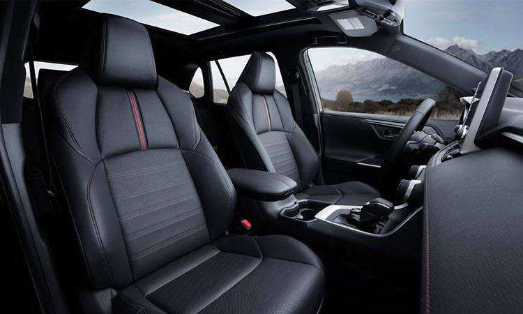 ดีไซน์ด้านใน Toyota RAV4 Prime
