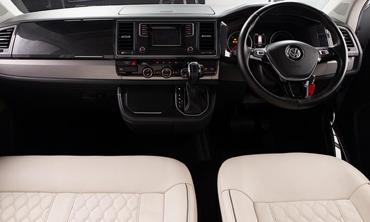 ดีไซน์ภายใน Volkswagen Caravelle Thaiyarnyon T69