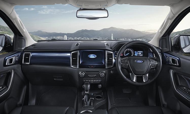 ภายใน Ford EVEREST SPORT 2.0 TURBO 4×2 10AT