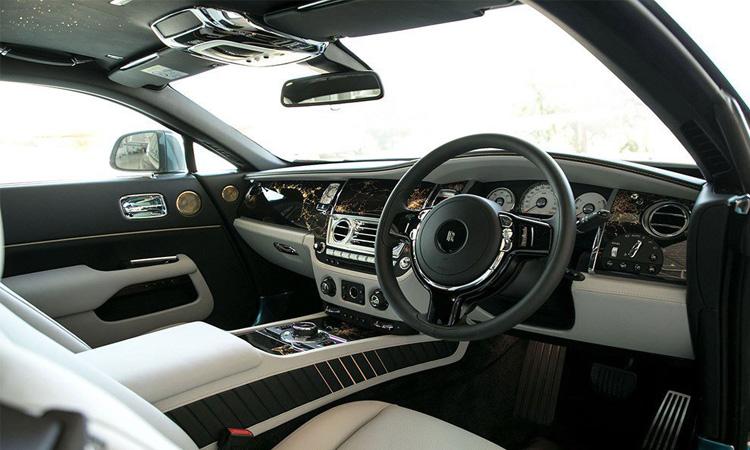 ภายใน Rolls-Royce Wraith Eagle VIII 2019