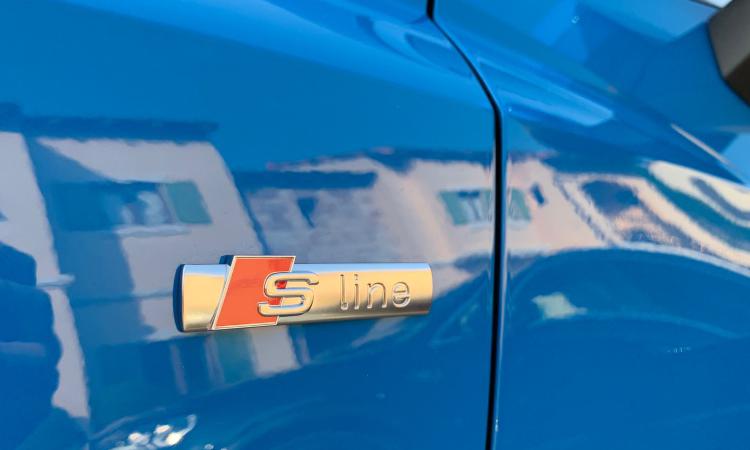 โลโก้ด้านข้าง Audi Q3 Sportback