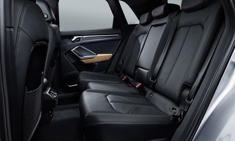 เบาะหลัง All NEW Audi Q3 generation 2
