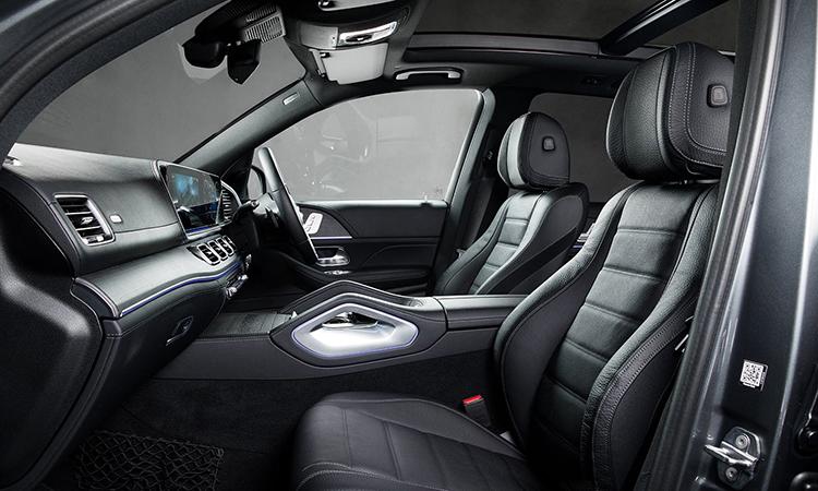 ด้านใน Mercedes-Benz GLE 300d 4MATIC