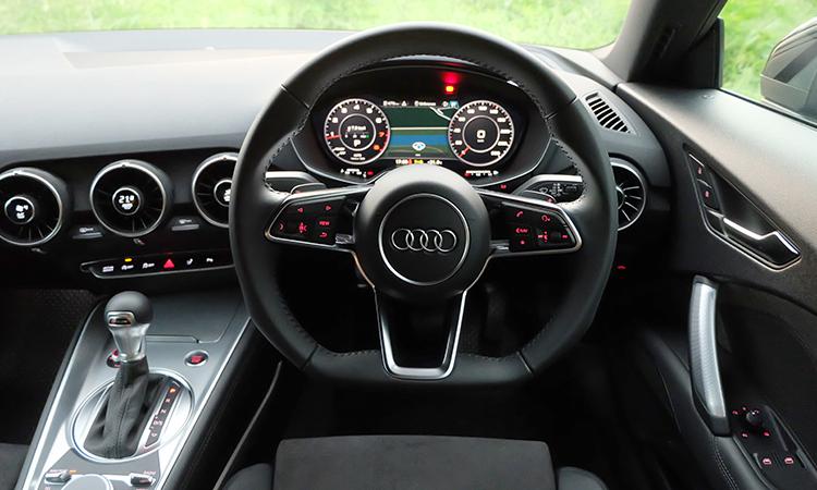 ดีไซน์วงมาลัย Audi TT Coupe' 45 TFSI quattro S-Line