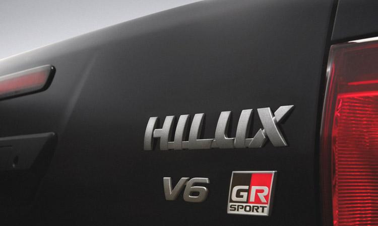ท้าย Toyota Hilux V6 GR Sport