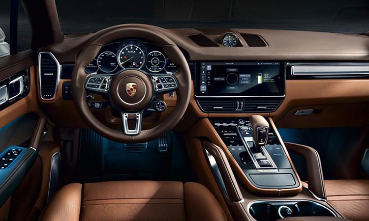 ภายใน Porsche Cayenne e-hybrid Coupe'