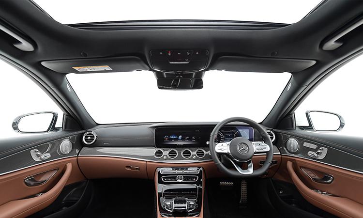 ภายใน Mercedes-Benz E 300e Plug-in Hybrid
