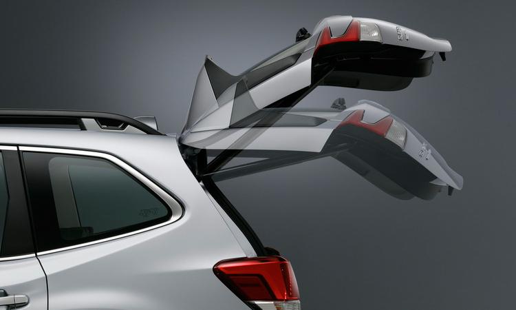 ท้าย Subaru Forester 2.0 AWD