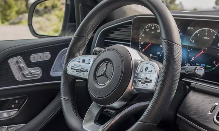 พวงมาลัย Mercedes-Benz GLE 300 d 4MATIC AMG Dynamic