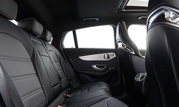 เบาะหลัง Mercedes-AMG GLC 63 S 4MATIC+ Coupe