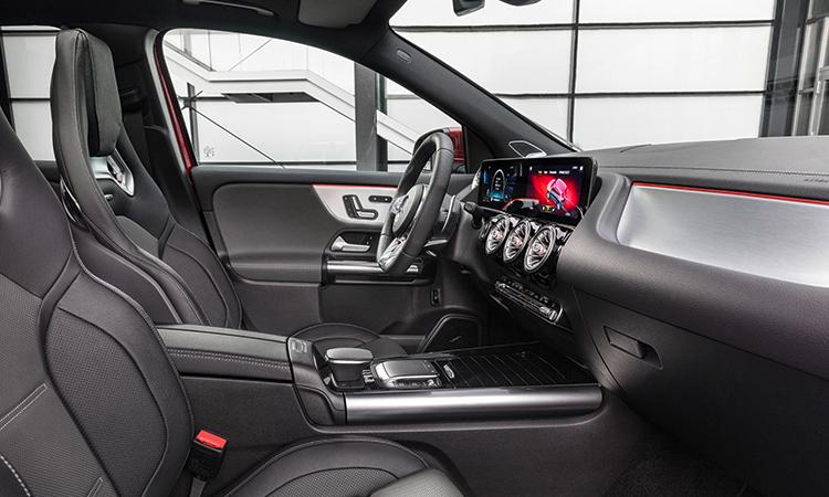 การออกแบบภายใน All NEW Mercedes-Benz GLA-Class