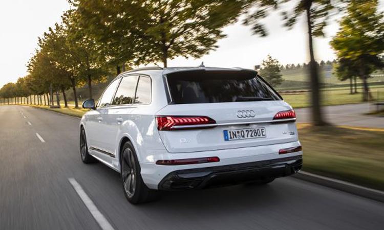 ท้าย Audi Q7 PHEV