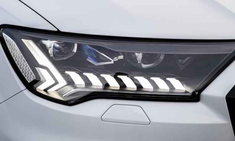 ดีไซน์ไฟหน้า Audi Q7 PHEV