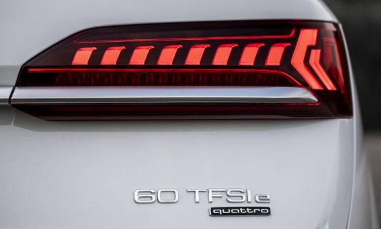 ดีไซน์ไฟท้าย Audi Q7 PHEV