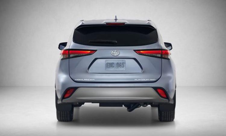 ด้านหลัง Toyota Highlander