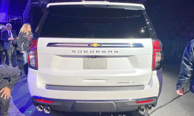ด้านหลัง Chevrolet Suburban 2020