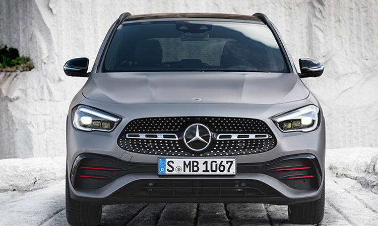 ดีไซน์ด้านหน้า All NEW Mercedes-Benz GLA-Class