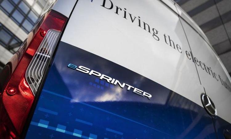 ท้าย Mercedes-Benz eSprinter