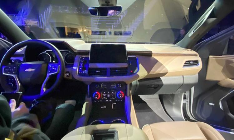 ภายใน Chevrolet Suburban 2020
