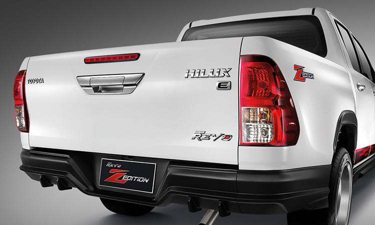 ชุดแต่งด้านท้าย Toyota Hilux Revo Z-Edition