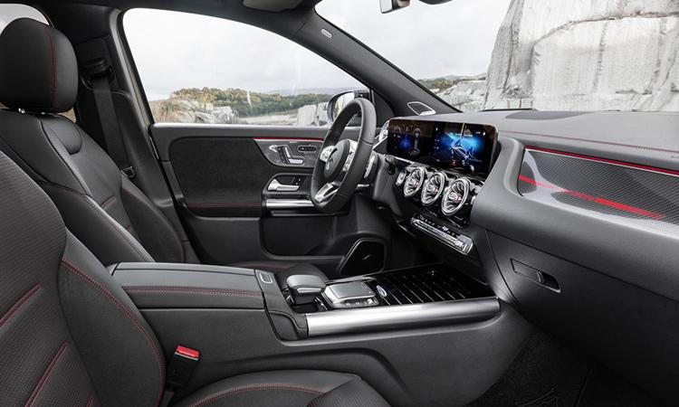 ดีไซน์ภายใน Mercedes-AMG GLA 35 4MATIC