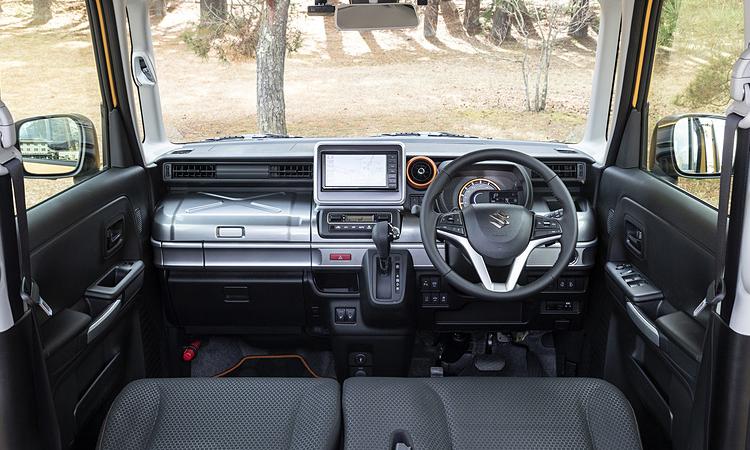 ภายใน Suzuki Spacia Gear