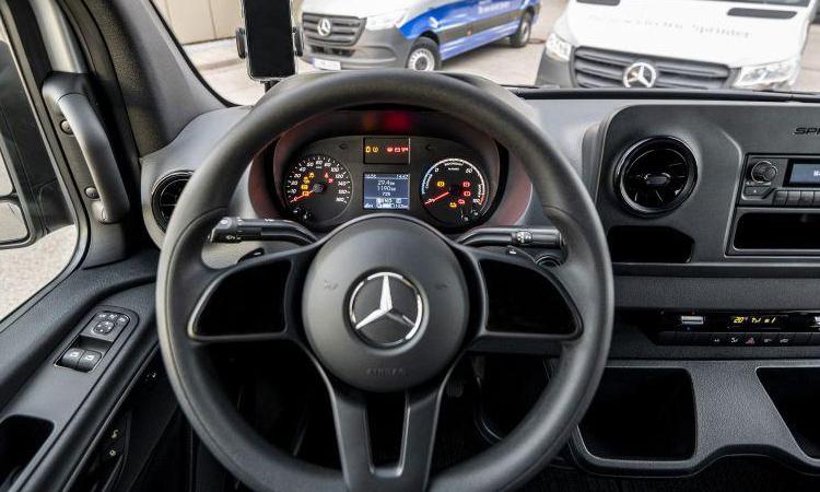 พวงมาลัย Mercedes-Benz eSprinter